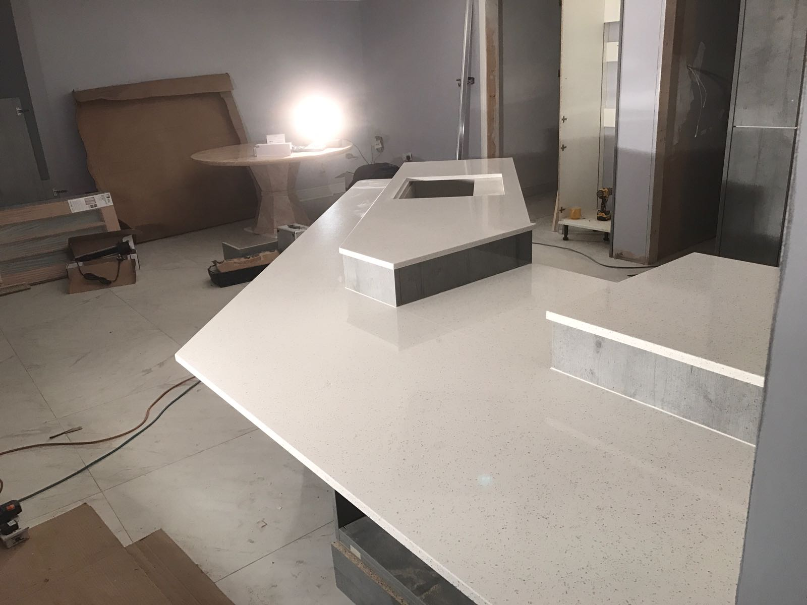 Bianco Stella Futuristic Kitchen With White Starlight Quartz