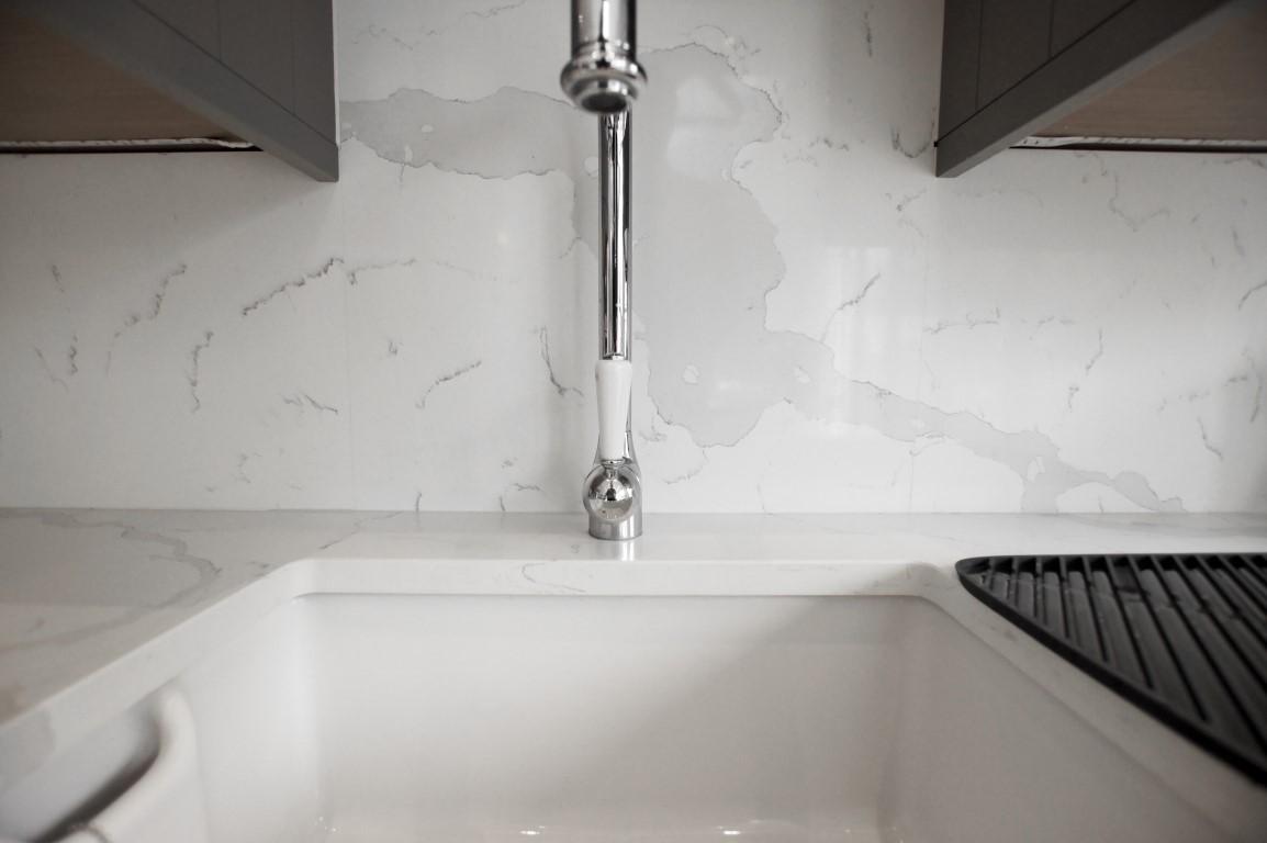 Calacutta Urban Quartz - Barnet - Rock and Co Granite Ltd