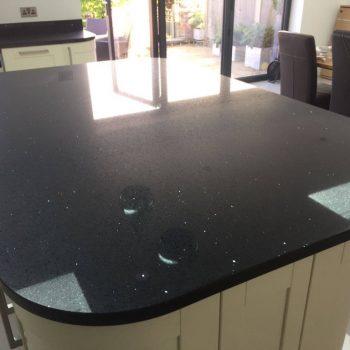 black quartz island worktop silestone