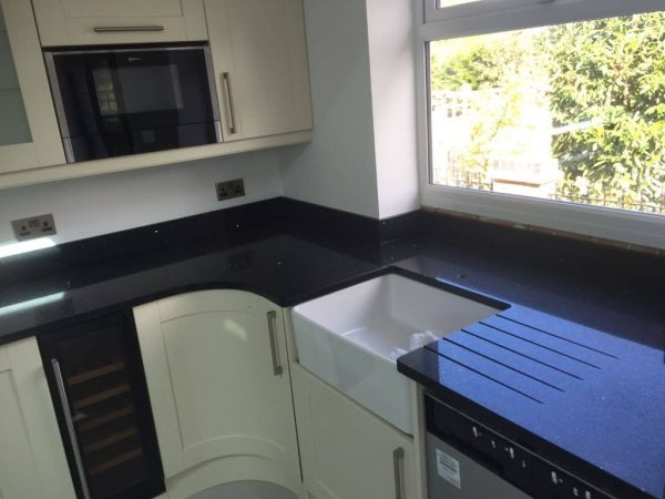 black quartz kitchen worktop silestone