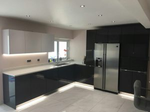 white and grey combination quartz worktops
