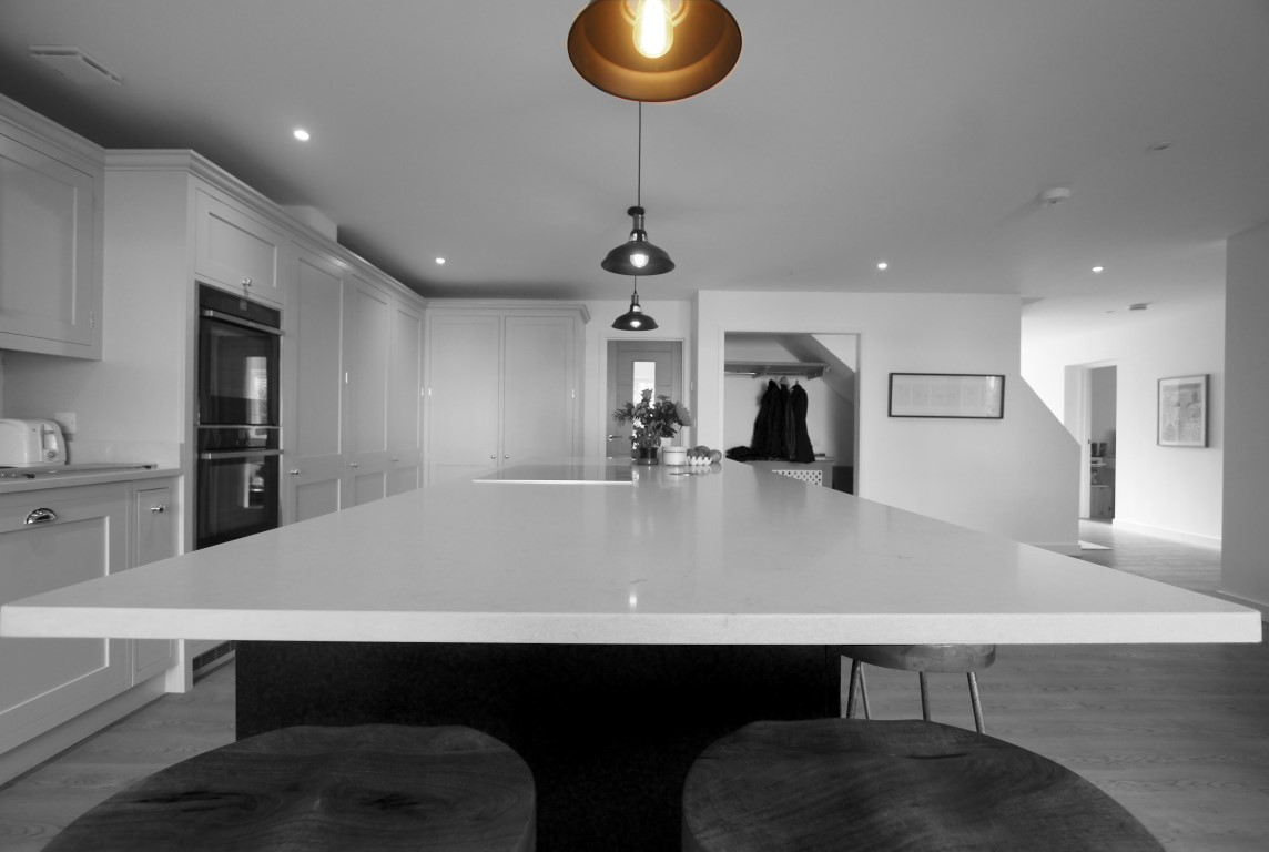 Love pendant lighting? A guide to add pendant lighting to the kitchen