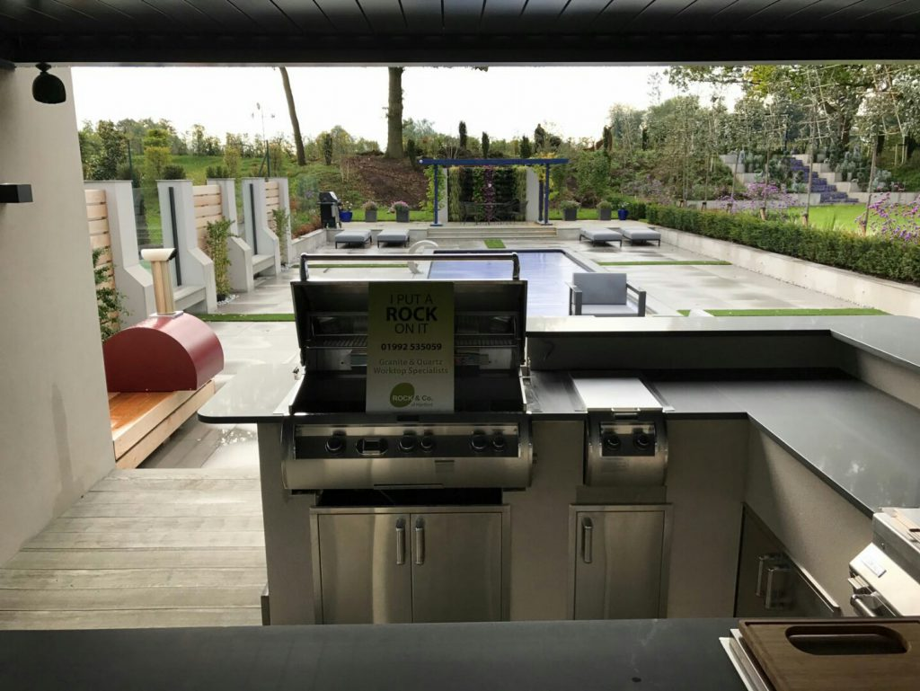 grigio scuro pura grey quartz worktops in modern home