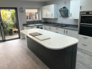 white and grey quartz worktops