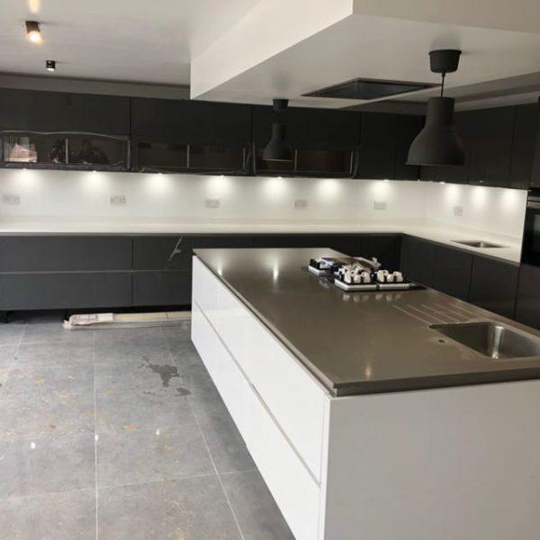 Kitchen Worktops York Uk: Combination Bianco Puro & Concreto Seta