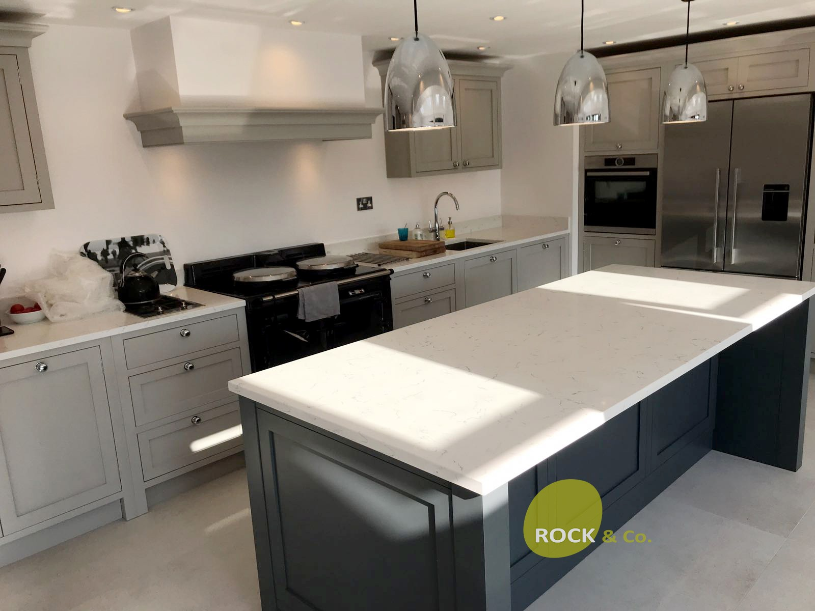 Kitchen of the week… Located in Oxfordshire, showcasing the Carrera and Attica White Carrera