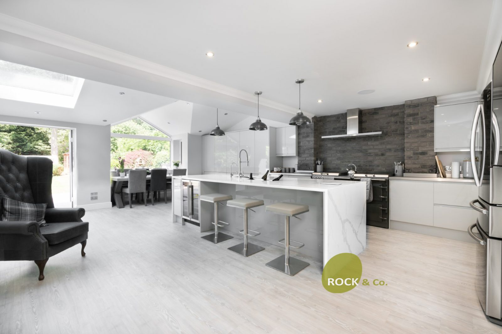Kitchen of the week… Located in Chislehurst, Kent, showcasing the Calacutta Vanquish (updated)